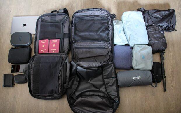 L'arte di viaggiare leggeri: Partire con un solo bagaglio a mano