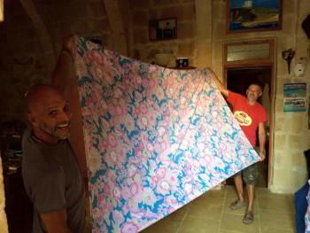 Andrea Speranza si è trasferito a vivere a Malta dove ha aperto un B&B a Gozo