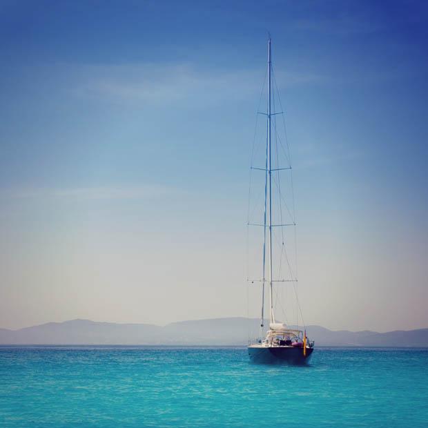 SIMONE UN MODELLO SOSTENIBILE DI VIAGGIO IN BARCA A VELA isole_baleari_vela