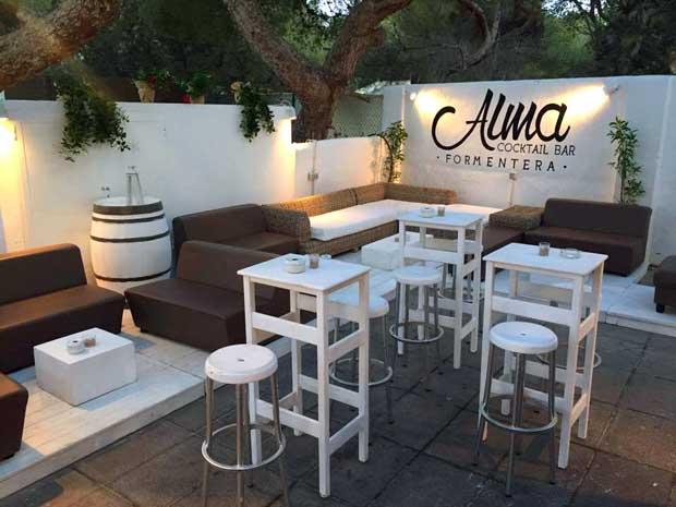 aprire cocktail Bar locale a Formentera