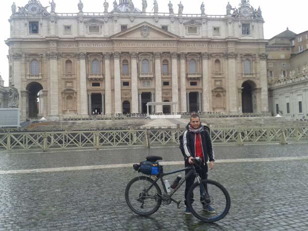 Andrea Gelzo viaggio in bici e sacco a pelo