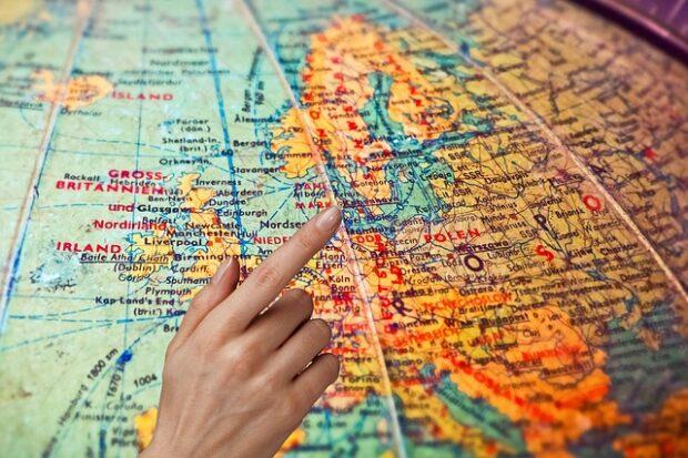 Trasferirsi all'estero con successo eBook gratuito Vivere estero spiega come fare