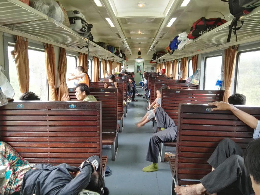 Vietnam viaggio sul treno delle meraviglie