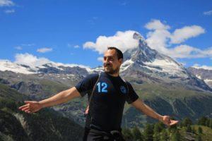 """Cervelli in fuga: Emanuele si è trasferito a lavorare a Ginevra per una migliore """"qualità della vita"""""""