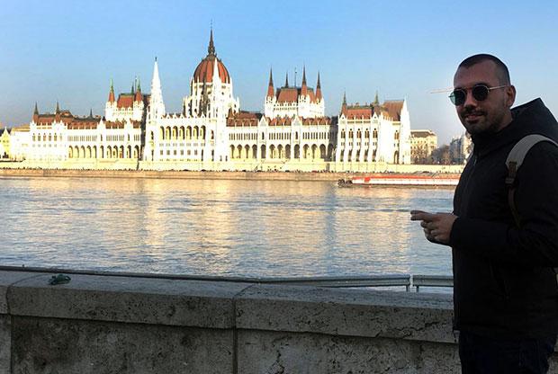 Cristian ci spiega come lavorare in modo autonomo nel settore turistico