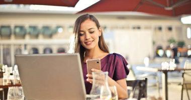 Come imparare il greco moderno tramite la tecnologia e il dialogo