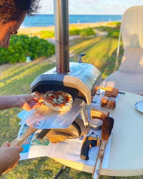 Fare lo chef e trasferirsi alle Isole Cayman, dove Marcello vive da ormai sei anni...